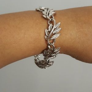 Napier 1950s Vintage Bracelet Silver Leaf back
